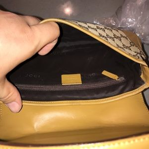 Gucci Bags - Authentic Gucci jackie'o hobo baguette pochette